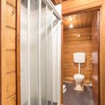 152 Inglis St Ballan Bathroom